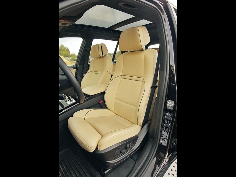 BMW X5 хDrive35i 2011 передние кресла