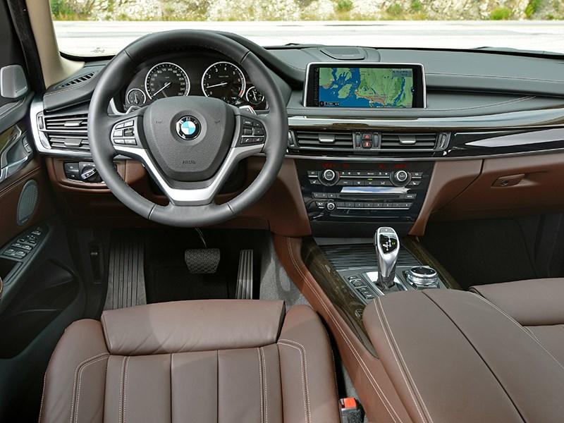 BMW X5 2013 водительское место
