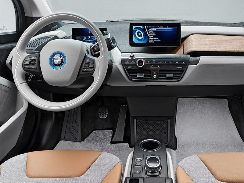 BMW i3 2014 водительское место