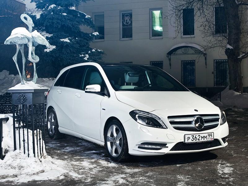 Mercedes-Benz B-Class - mercedes-benz b-klasse вид спереди