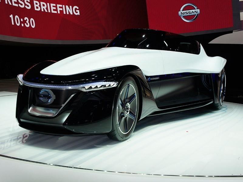 Nissan BadeGlayder concept 2013 вид спереди 3/4