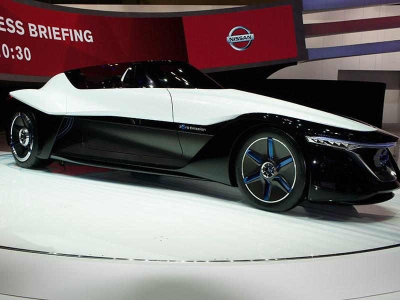Nissan BadeGlayder concept 2013 вид сбоку