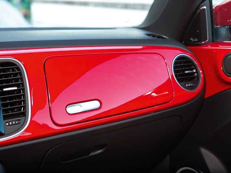 Volkswagen Beetle 2013 бардачок