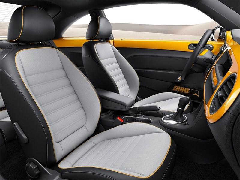 Volkswagen Beetle Dune concept 2014 кресла водителя и пассажира