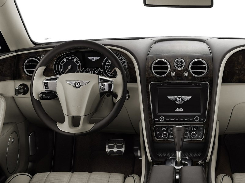 Bentley Continental Flying Spur 2013 водительское место