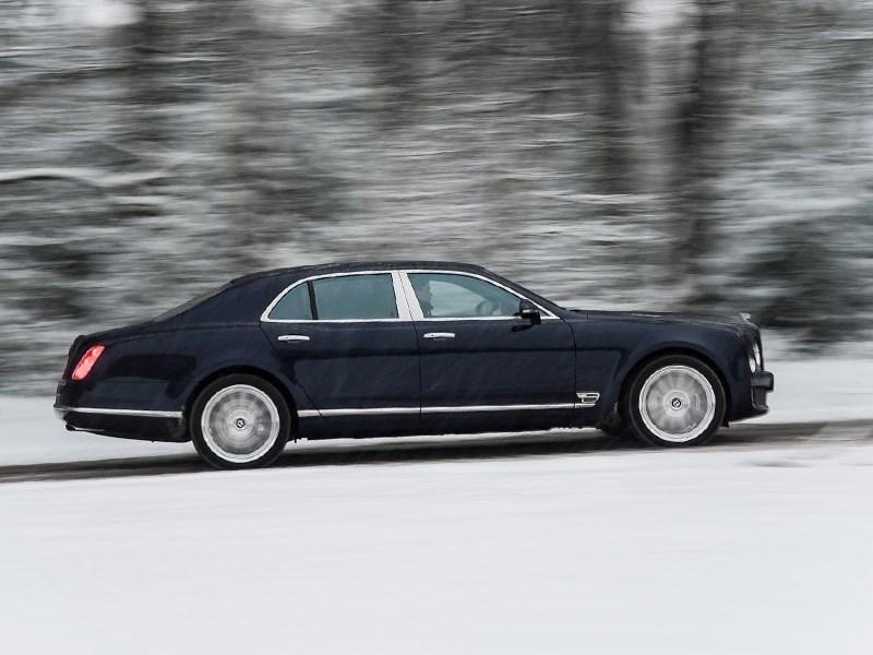 Bentley Mulsanne 2014 вид сбоку