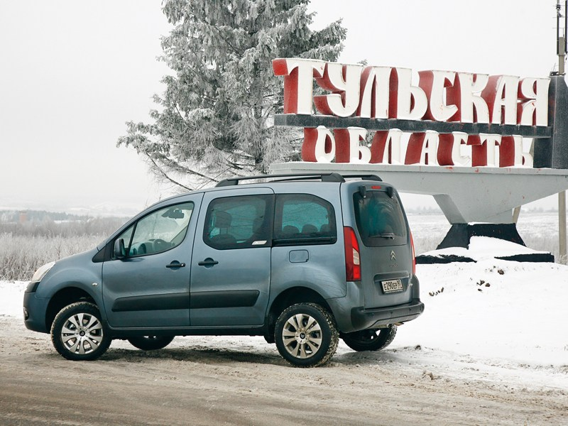 Citroen Berlingo 2009 вид сбоку