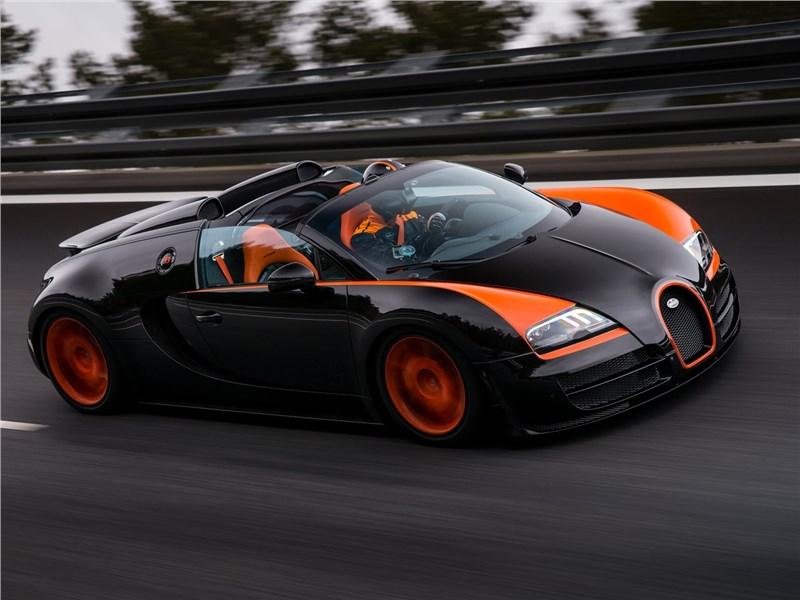 Bugatti Veyron Grand Sport Vitesse WRC 2014 вид сбоку