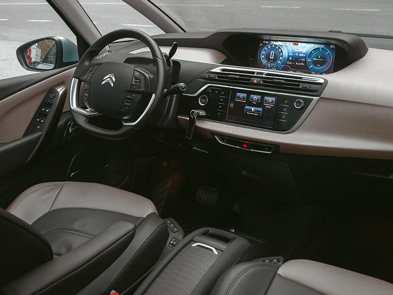 Citroen C4 Picasso 2014 водительское место