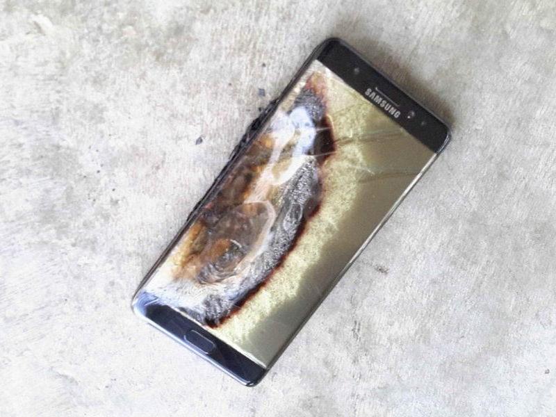 Самовоспламеняющиеся смартфоны сорвали сделку между Samsung и Fiat Chrysler Automobiles - автоновости