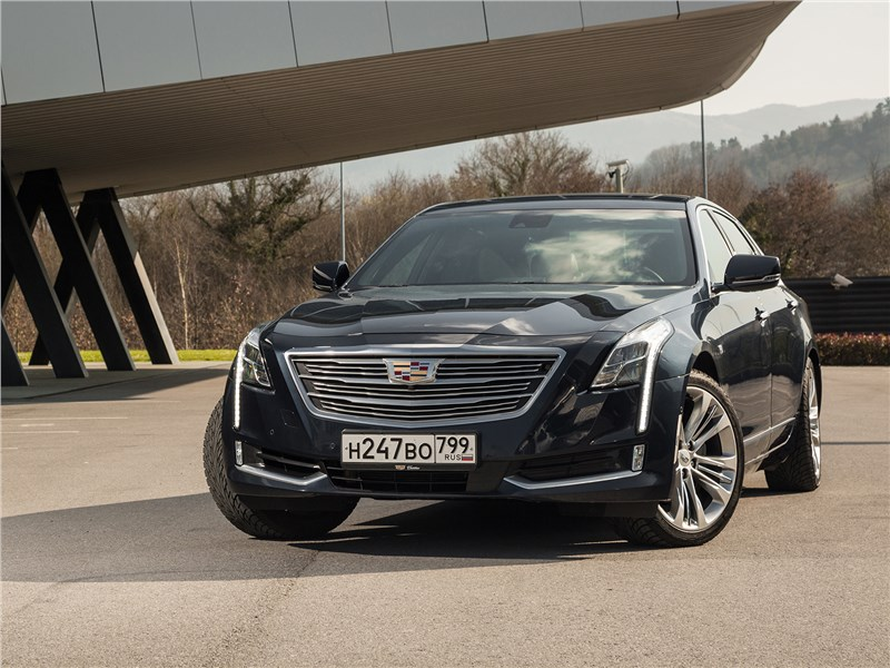 Cadillac CT6 2017 вид спереди