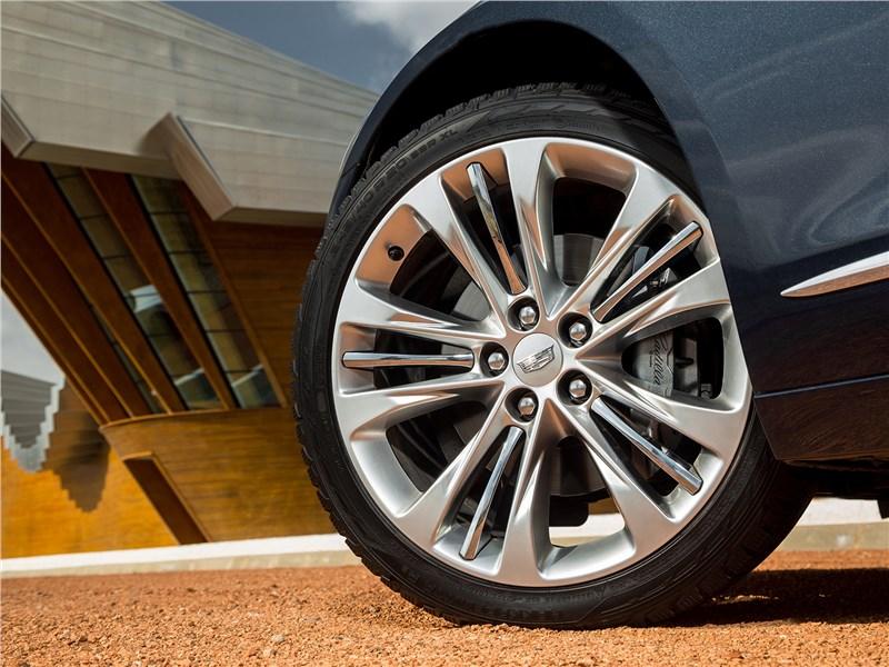 Cadillac CT6 2017 переднее колесо