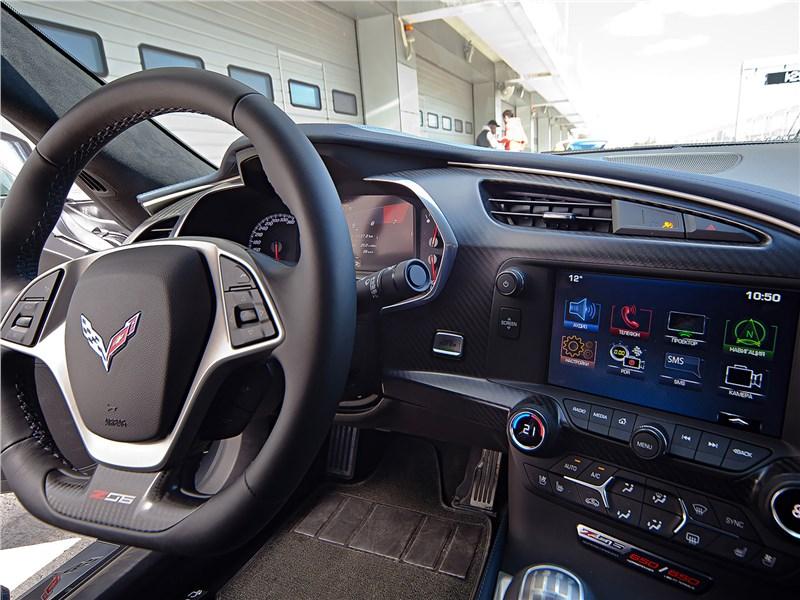 Chevrolet Corvette Z07 Performance Package салон
