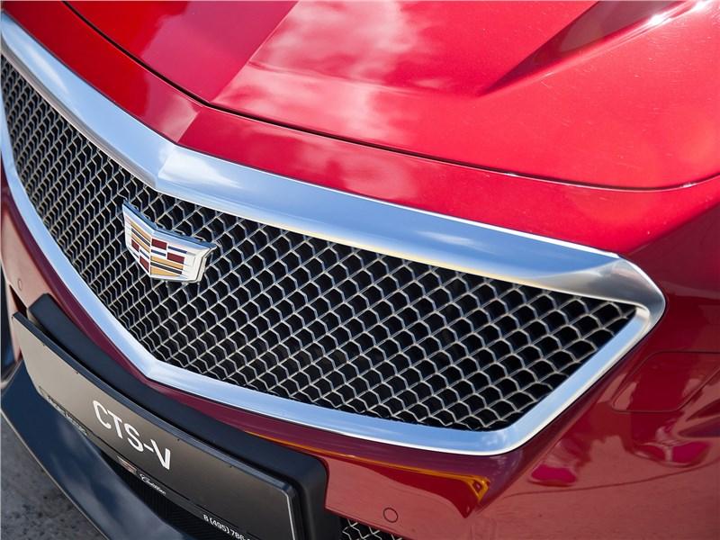 Cadillac CTS-V 2016 решетка радиатора