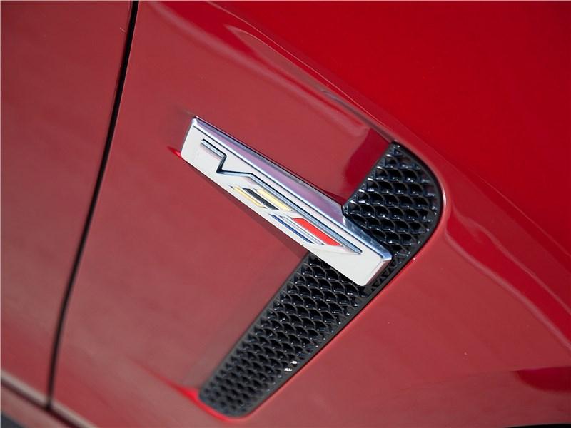 Cadillac CTS-V 2016 воздухозаборник