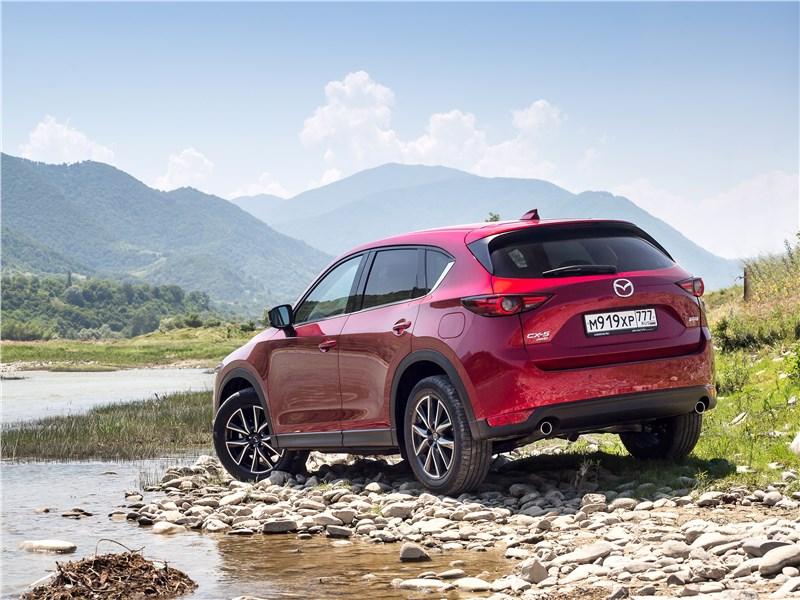 Mazda CX-5 2017 вид сзади