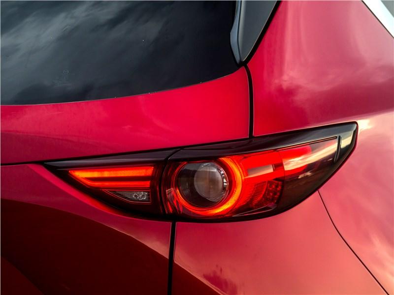 Mazda CX-5 2017 задний фонарь