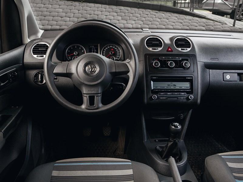 Volkswagen Caddy водительское место