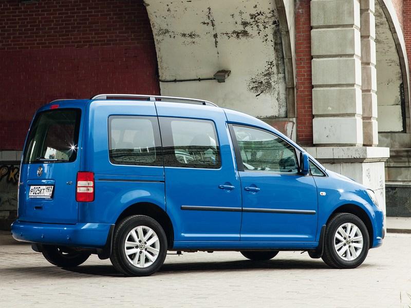 Volkswagen Caddy вид сзади