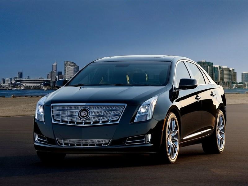 Cadillac XTS превратили в лимузин и катафалк