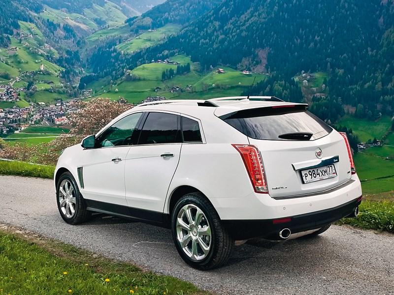 Cadillac SRX 2013 вид сзади