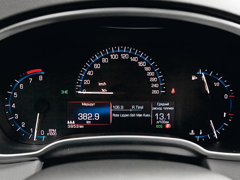 Cadillac SRX 2013 приборная панель