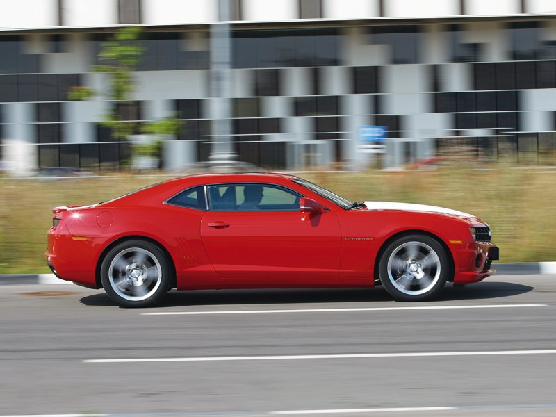 Chevrolet Camaro 2012 вид сбоку