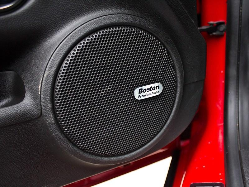 Chevrolet Camaro 2012 аудиосистема Boston Acoustics