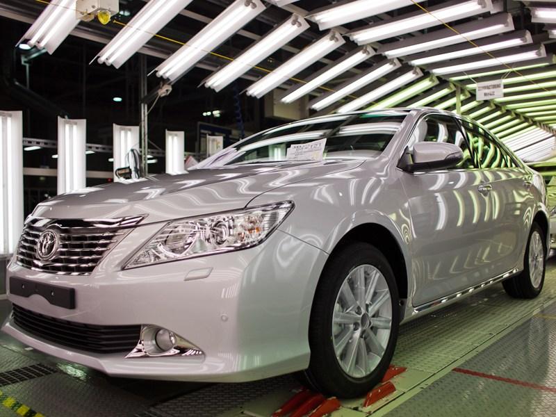 Toyota начала экспорт Camry из России в Казахстан