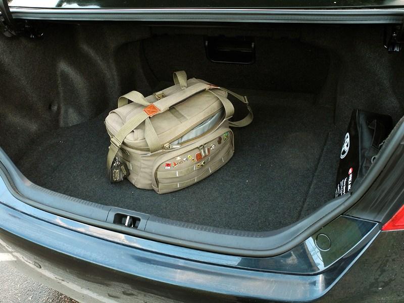 Toyota Camry 2012 багажник