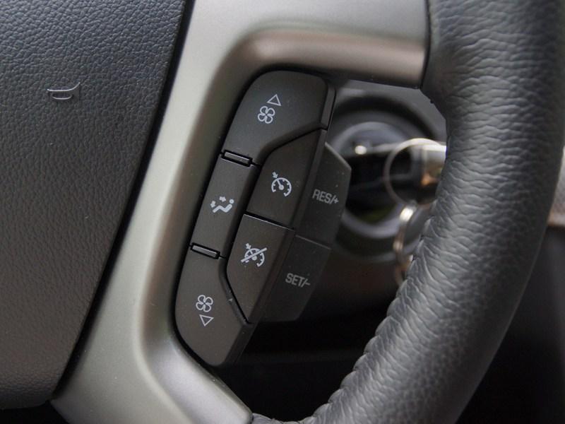 Chevrolet Captiva 2011 кнопки управления