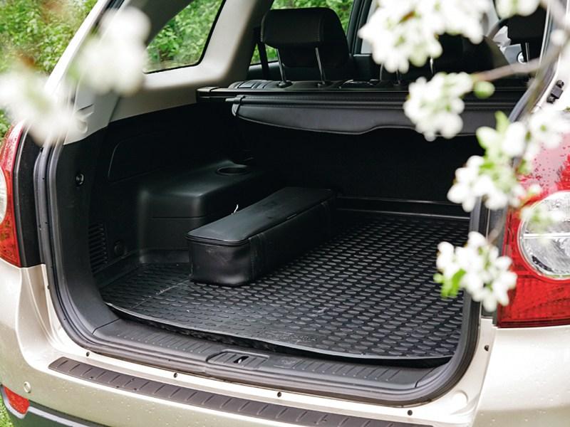 Chevrolet Captiva 2011 багажное отделение