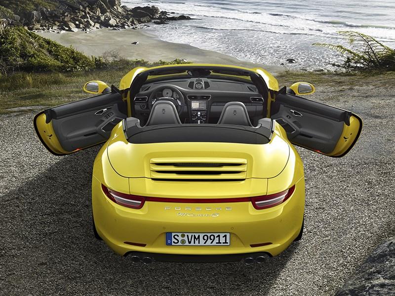 Porsche 911 Carrera 4S Cabriolet 2011 вид сзади