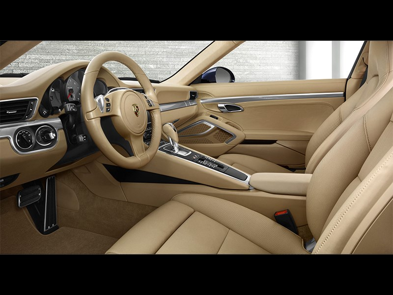Porsche 911 Carrera 4S Cabriolet 2011 кресла