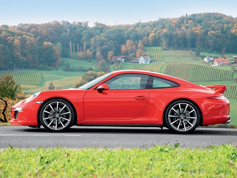 Porsche 911 Carrera 4 2013 вид сбоку