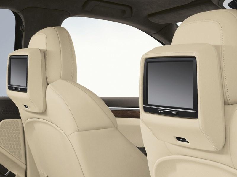 Porsche Cayenne Diesel 2011 мониторы в спинках кресел