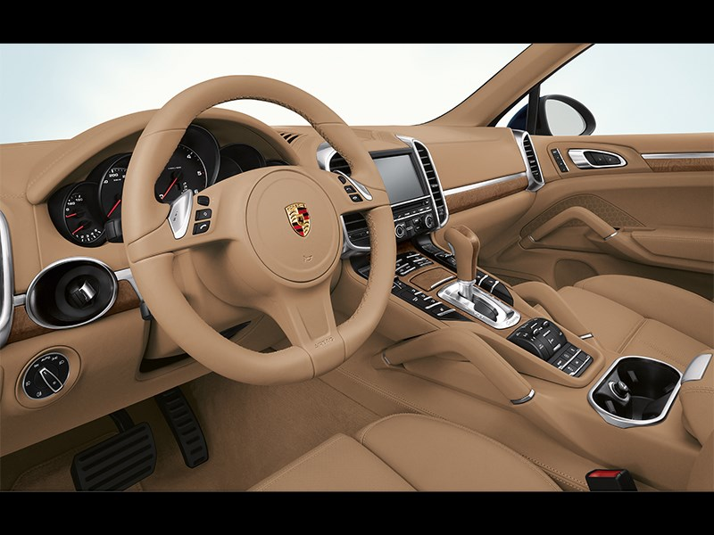 Porsche Cayenne Diesel 2011 водительское место