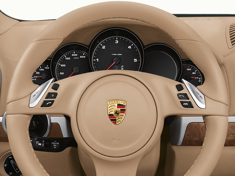 Porsche Cayenne Diesel 2011 приборная панель