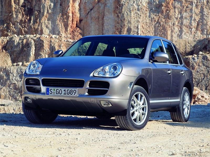 Porsche Cayenne S 2004 вид спереди