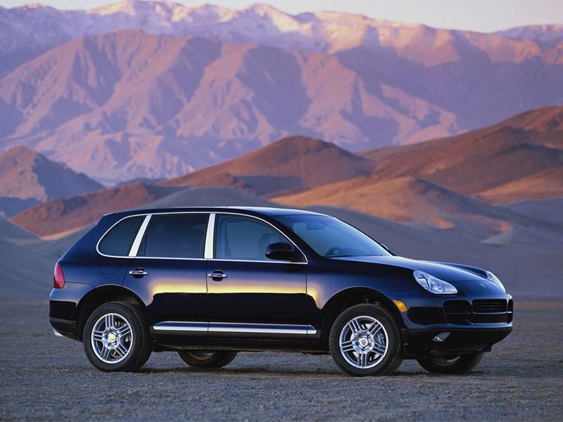 Porsche Cayenne S 2004 вид сбоку