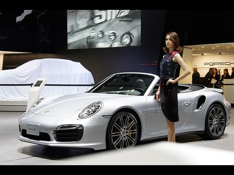 Porsche Cayman S 2013 вид сбоку 3/4
