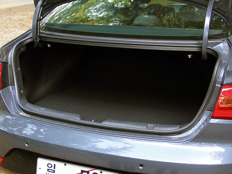 Kia Cerato Koup 2013 багажное отделение