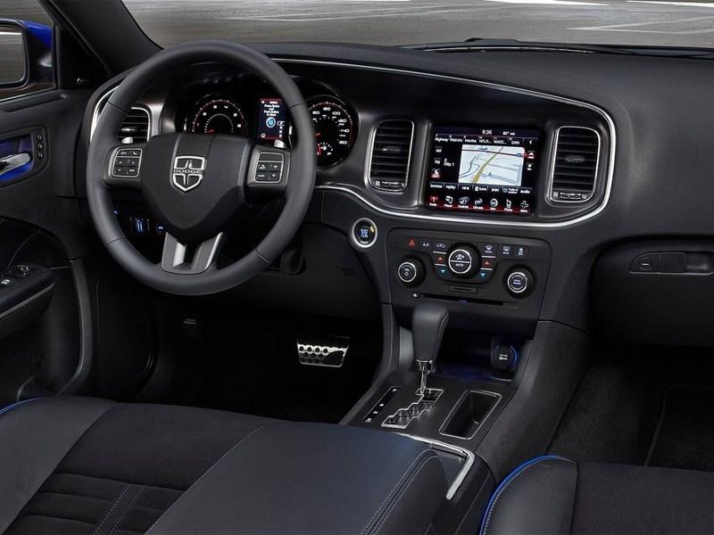 Dodge Charger Daytona 2013 водительское место