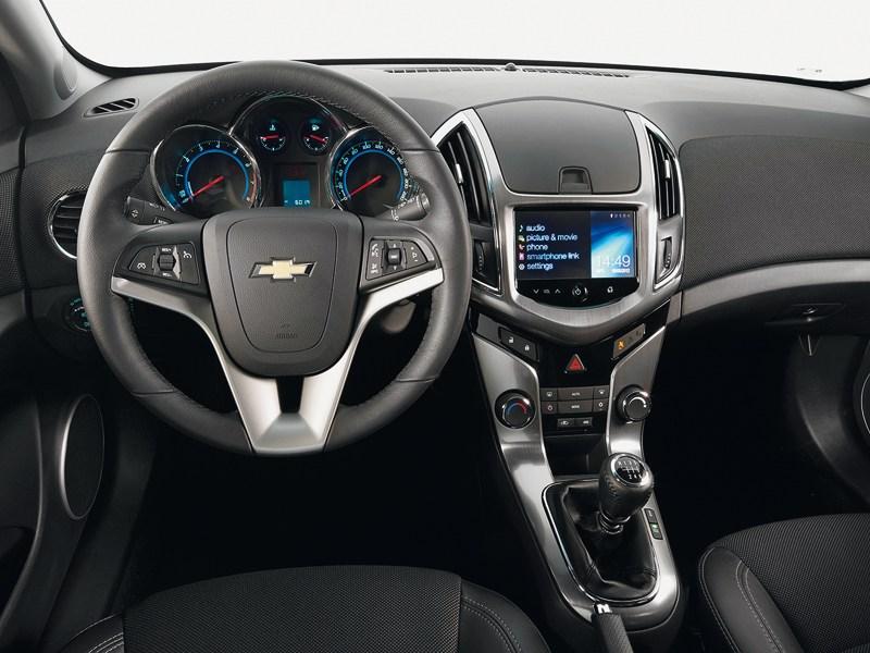 Chevrolet Cruze Station Wagon 2013 водительское место
