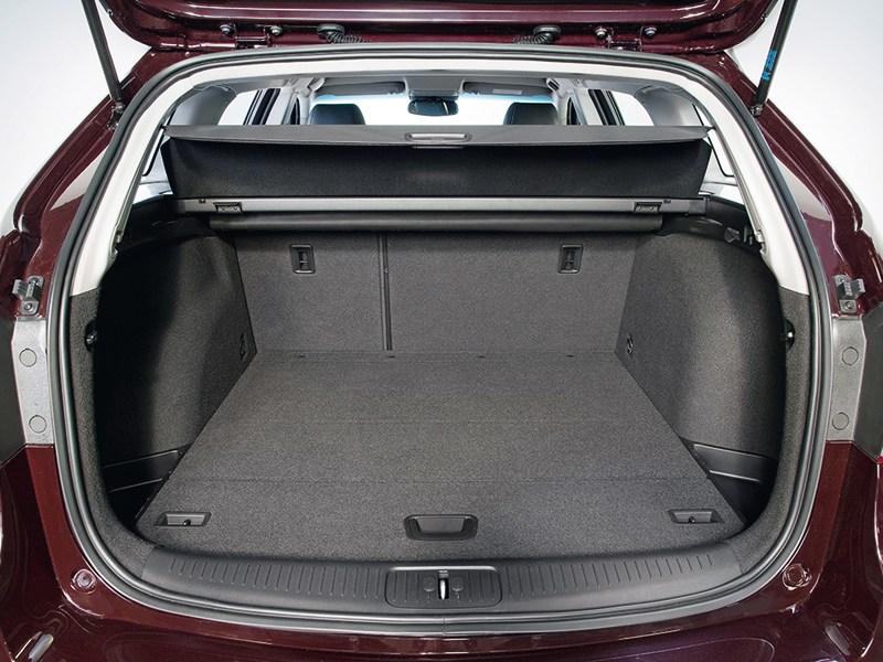 Chevrolet Cruze Station Wagon 2013 багажное отделение