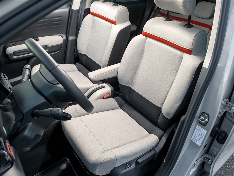 Citroen C3 Aircross 2018 передние кресла