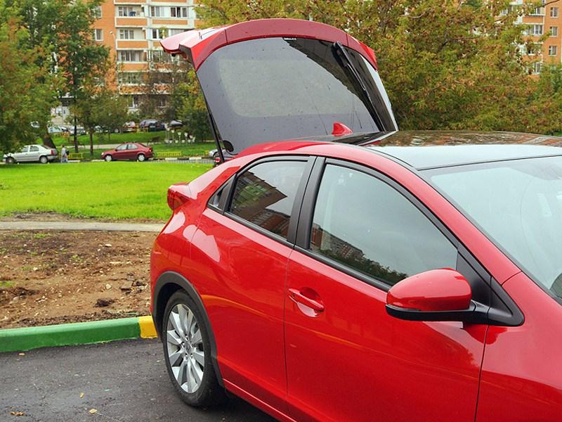 Honda Civic 2012 вид сбоку