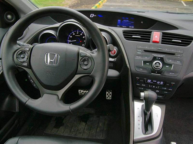 Honda Civic 2012 водительское место