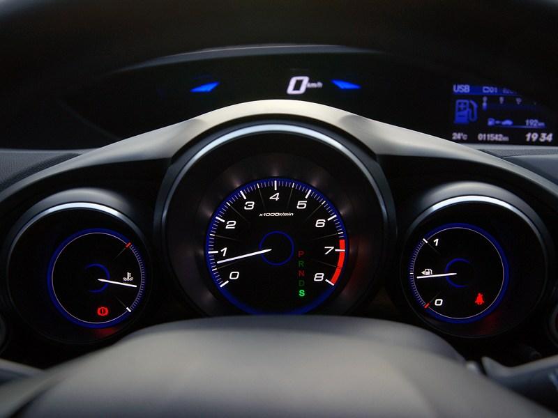 Honda Civic 2012 приборная панель