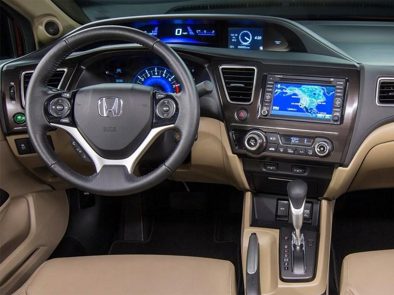 Honda Civic 2013 водительское место